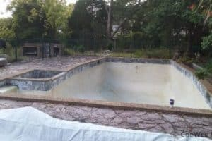 Before the renovation in mount eliza, the pool is mouldy and unpleasant to look at